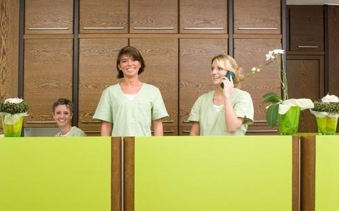 Der Empfang unserer Zahnarztpraxis in Erftstadt-Lechenich bei Brühl