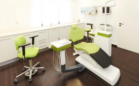 Behandlungsraum unserer Zahnarztpraxis in Erftstadt